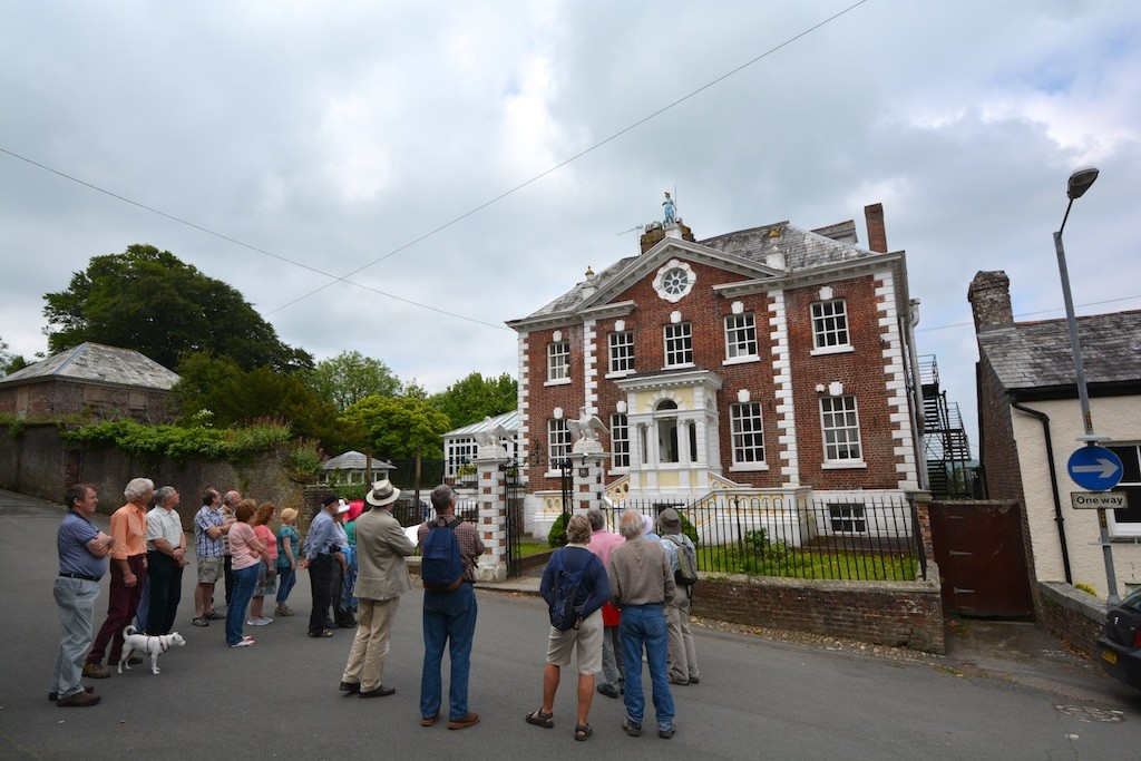 Hearing about the Eagle House Hotel, on Castle Street